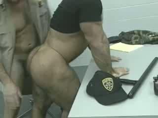 Officers auf die loose