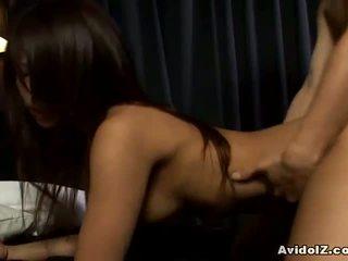 Akira ichinose hubungan intim dan dada ejakulasi di luar vagina