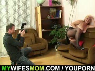 Ehefrau finds seine fies photos mit mutter im gesetz