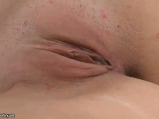 Guy watches dalagita magkantot at masturbates