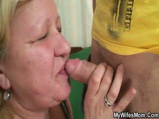 Yüzme finds onu adam ipek oustanding grandmother