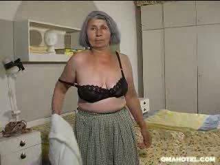 Granny likes to strip Video