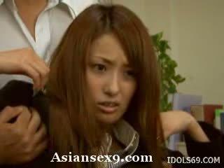 Nao yoshizaki uzbudinātas aziāti skolotāja gets a jāšanās uz klase