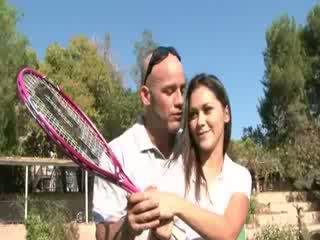 Lõi cứng giới tính tại các tenis tòa án