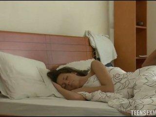 نائم, النوم الجنس, في سن المراهقة