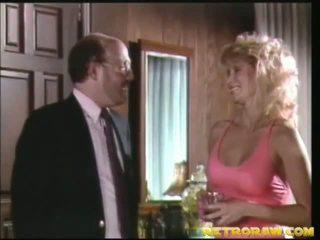 i köket naken, retro porn, vintage sex