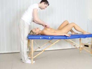 Zreli puma milks tič po hardcore masaža