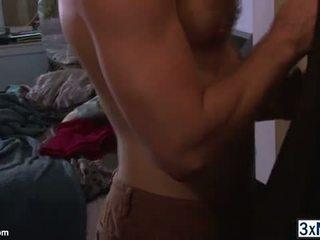 Potrebni men analno grobo seks