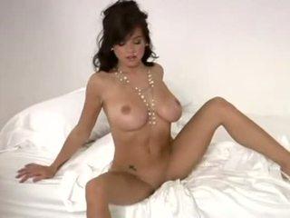 Tess taylor playboy strip nackt posieren - video sex archivieren