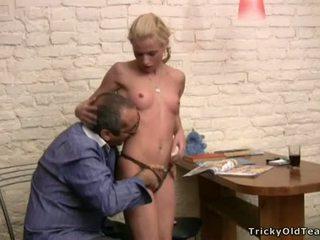 Tricky leraar seducing student