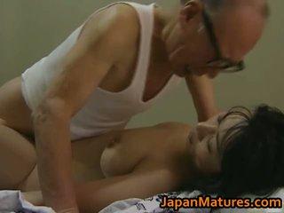 हॉट एशियन बेब has मेच्यूर सेक्स