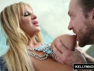 Kelly madison - blue lingerie seduces dela homem <span class=duration>- 12 min</span>