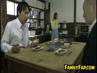 Kimainen vaimo loves vaihe isä
