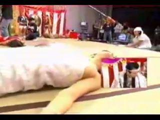 Unter den rock klammer - 15 hypnotisiert japanisch mädchen auf fernseher