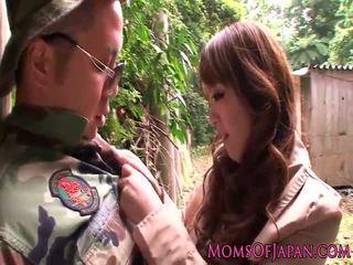 Monsterboobs 色情明星 hitomi tanaka outdoors