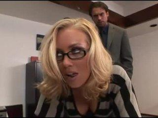 Nicole aniston مكتب