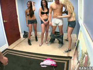 3 guys один дівчина порно