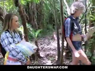 Daughterswap- 角質 daughters ファック 父親 上の camping 旅行 <span class=duration>- 10 min</span>