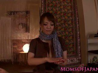 Hitomi tanaka gives jautrus pov masažas