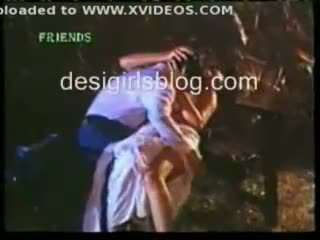 Hinduskie gorące seks sceny z hindi horror film