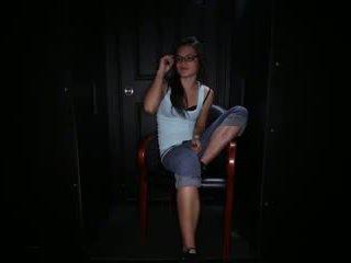 Teen girl swallows strangers cum