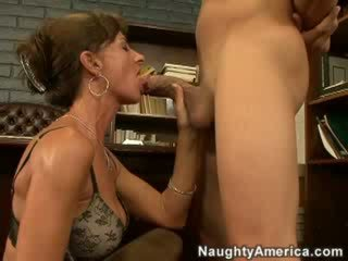 cougar, housewives, pussy
