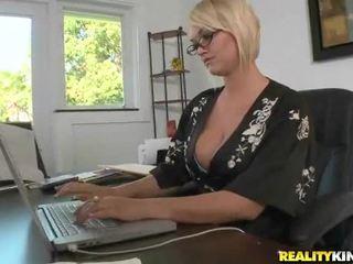 Juggy blondinke mrs. julies zajebal