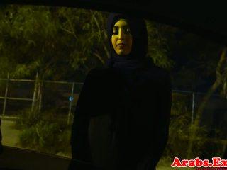 Arab hijabi pakliuvom į draudžiamas įtemptas putė: nemokamai porno 74