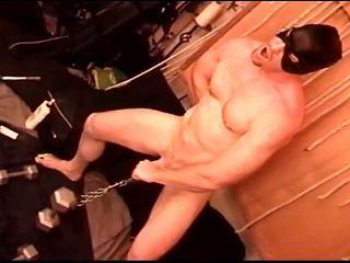 Self siksaan alat kelamin pria dia hangs 50lbs di dia sendiri buah zakar
