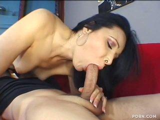Mama seduces dia stepson