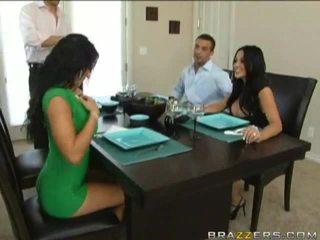 Husbands swap ženy predchádzajúce na dinner