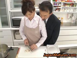 Asiatico pollastrella mano offerte di lavoro