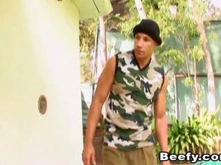 Beefy muscle hunt i pieprzyć w the dom