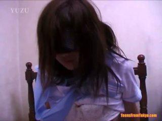 Giapponese giovanissima scopata sporco