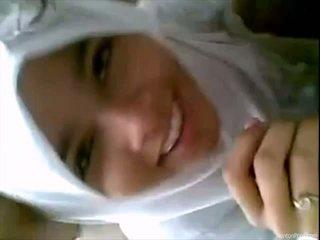Menarik indonesia gadis gives mengisap penis