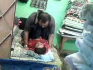 Zralý nadržený pákistánec pár enjoying krátký muslim pohlaví session