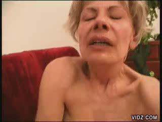 Two blondie mødre alle fired opp til female ejakulasjon