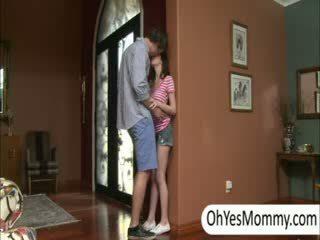 Victoria koos boyfriend gets tabatud poolt üleannetu samm emme alexandra