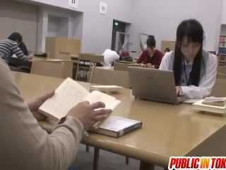 Сексуальна японська студент трахкав в the класна кімната