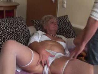 Amateur anaal oma - zeer gemeen!