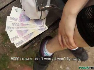 Pretty Czech slut Timea analed for cash