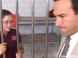 Kandi de lief meisje in gevangenis
