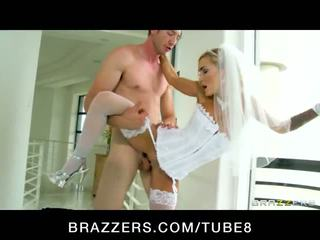 Bigtit blonde pornstar Devon rides a bigdick for practice