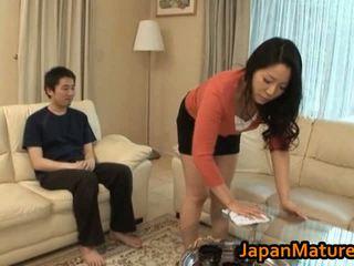 Heiß asiatisch milf mit groß titten