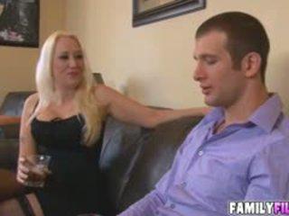 büyük göğüsler, oral seks