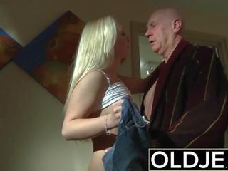Geil ochtend seks oud jong porno vriendin gets geneukt