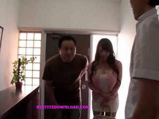 Asijské s velký kozičky wearing a purple bikin: volný porno d3