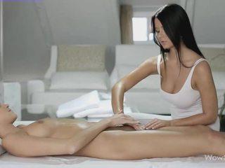 レズビアン セックス とともに silvie と addison