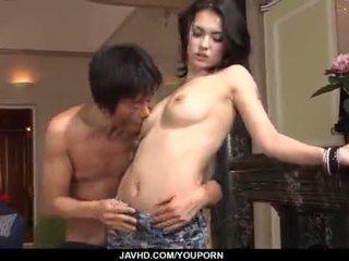 Incrível maria ozawa receives two cocks dentro dela