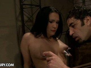 Carrmen is in staat naar zijn zodanig de pijn slet. ze likes naar zijn tortured.